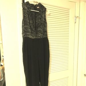 Sleeveless black and grey jumpsuit
